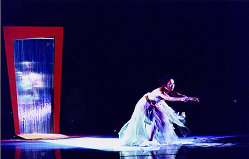2000年《捉畫》何曉玫編舞,攝影:李銘訓,鄭淑姬提供