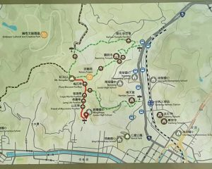 Map with the hiking trails in Hongdan Mountain